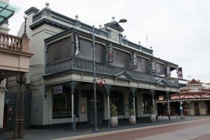 Edificis d'estil colonial